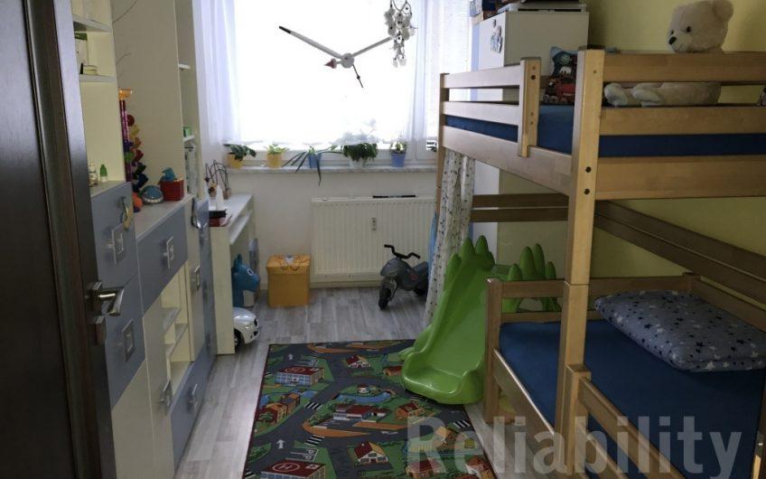 Prodej bytu 4+1 s lodžií, 82m2 na ulici Zelená