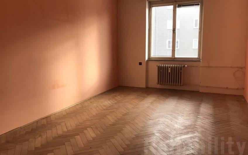 Prodej bytu 3+1 v cihlovém domě