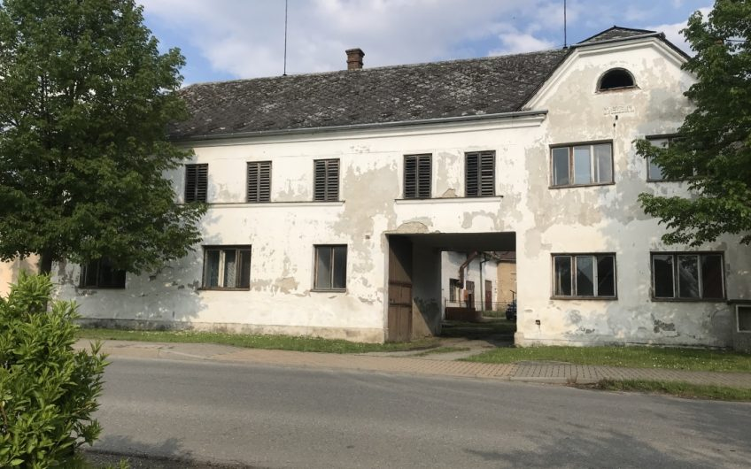 Prodej zemědělské usedlosti, 460 m2, Třeština